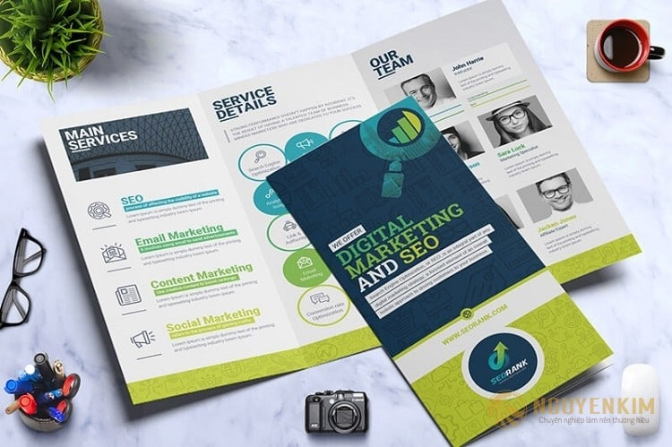 In brochure mẫu 2