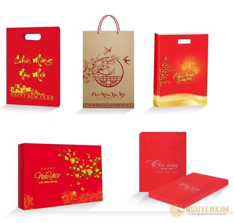 Xưởng in túi giấy đựng lichh Tết giá rẻ tại Hà Nội
